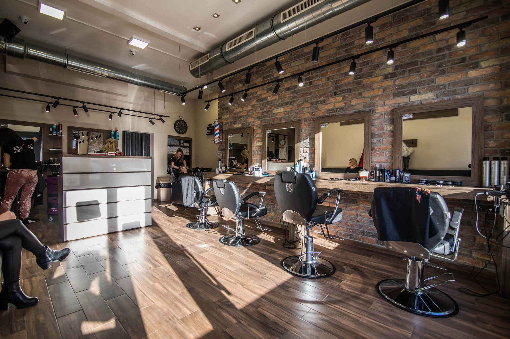 Frizerski salon, posao